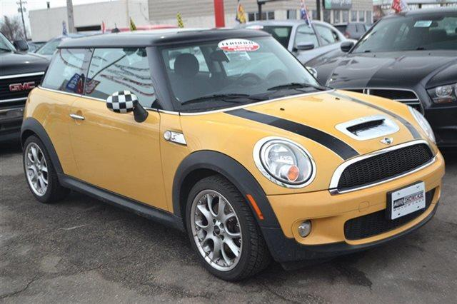 2008 MINI COOPER S 2DR HATCHBACK yellow this 2008 mini cooper hardtop 2dr 2dr coupe s features a