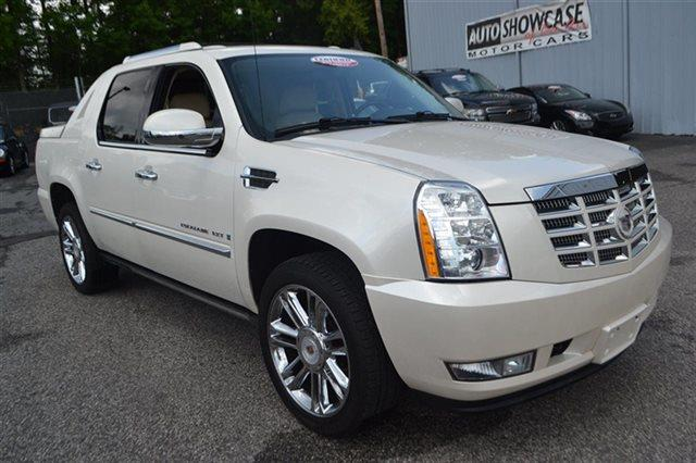 2008 CADILLAC ESCALADE EXT BASE AWD 4DR SB CREW CAB white diamond new arrival this 2008 cadilla