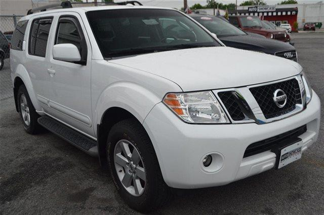 2008 NISSAN PATHFINDER 4X4 SUV avalanche keyless start this 2008 nissan pathfinder se has a sh