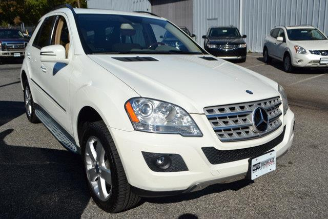 2011 MERCEDES-BENZ M-CLASS ML350 4MATIC AWD 4DR SUV arctic white this 2011 me