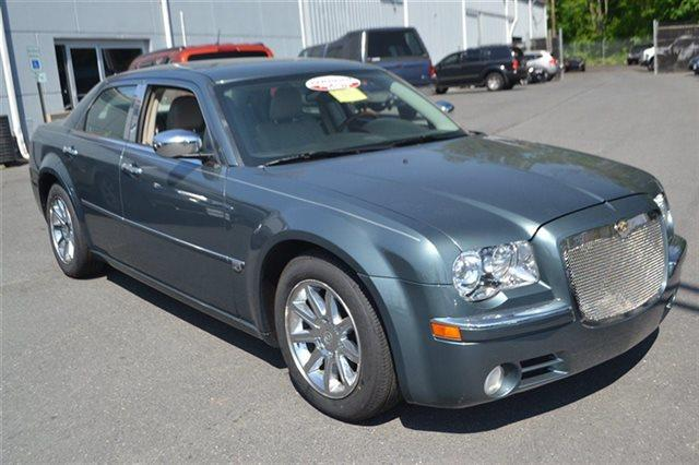 2005 CHRYSLER 300 C 4DR SEDAN satin jade pearl priced below market this 2005 chrysler 300 300c