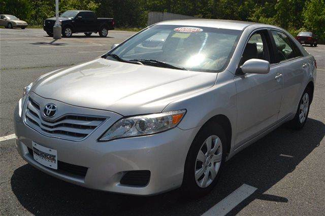 2011 TOYOTA CAMRY LE SEDAN classic silver metallic new arrival value priced below market key