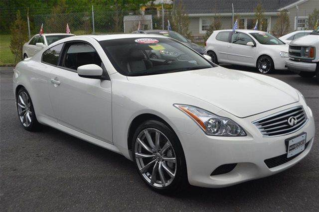 2009 INFINITI G37 COUPE SPORT 2DR COUPE moonlight white low miles this 2009