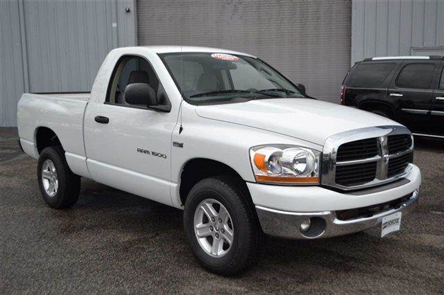 2006 DODGE RAM PICKUP 1500 LARAMIE 4X4 TRUCK white this 2006 dodge ram 1500 slt will sell fast -4