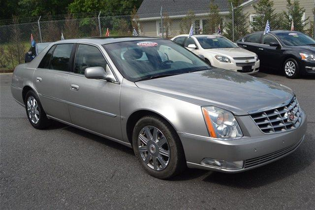 2008 CADILLAC DTS light platinum low miles this 2008 cadillac dts with 1sd will sell fast le