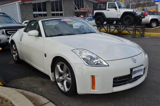 2008 NISSAN 350Z - CONVERTIBLE white low miles this 2008 nissan 350z touring will sell fast