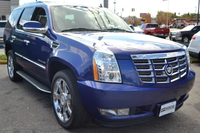 2010 CADILLAC ESCALADE LUXURY AWD 4DR SUV blue this 2010 cadillac escalade 4dr awd 4dr luxury fea