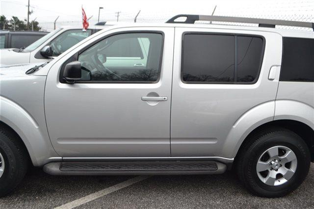 2008 NISSAN PATHFINDER - SUV silver low miles this 2008 nissan pathfinder s will sell fast p