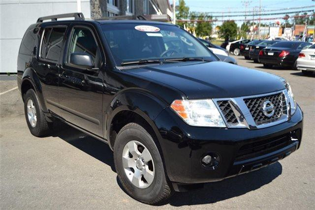 2011 NISSAN PATHFINDER S 4X4 4DR SUV super black this 2011 nissan pathfinder 4dr s features a 40