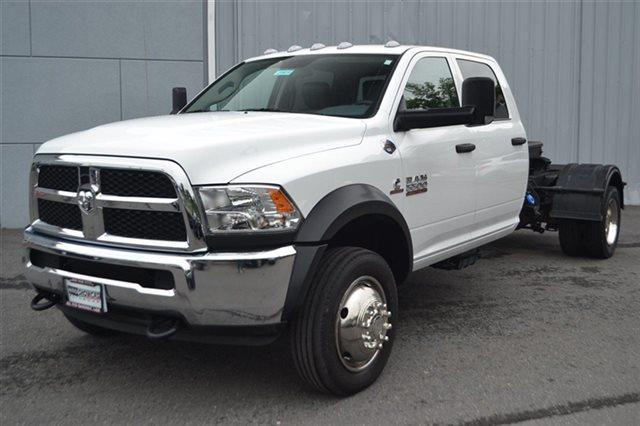 2015 RAM RAM CHASSIS 5500 CREW CAB LWB 4WD DRW bright white clearcoat max tow package488 rear a