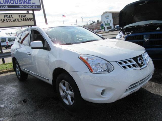 2013 NISSAN ROGUE AWD 4DR S white this 2013 nissan rogue 4dr awd 4dr s features a 25l 4 cylinder