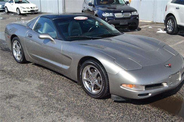 2000 CHEVROLET CORVETTE BASE 2DR COUPE silver priced below market thiscorvette will sell fast