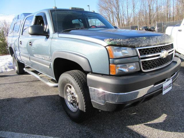 2006 CHEVROLET SILVERADO 2500HD - gray this 2006 chevrolet silverado 2500hd 4dr - features a 60l