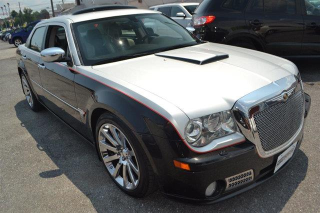 2006 CHRYSLER 300 SRT-8 4DR SEDAN brilliant black crystal prl this 2006 chrysler 300 c srt8 wil