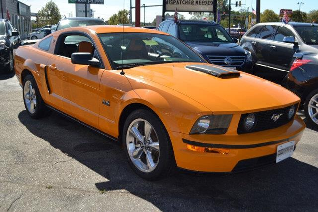 2007 FORD MUSTANG 2DR COUPE GT DELUXE orange this 2007 ford mustang 2dr 2dr coupe gt deluxe featu