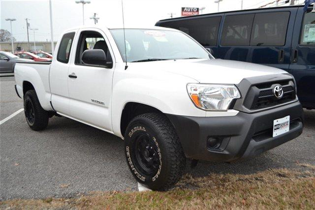 2012 TOYOTA TACOMA BASE 4X2 4DR ACCESS CAB 61 FT S white priced below market this 2012 toyota
