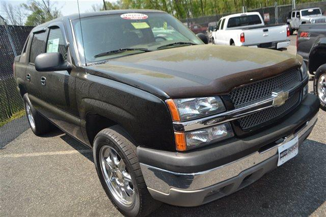 2004 CHEVROLET AVALANCHE 1500 4DR 4WD CREW CAB SB black 4wd this 2004 chevrolet avalanche 1500