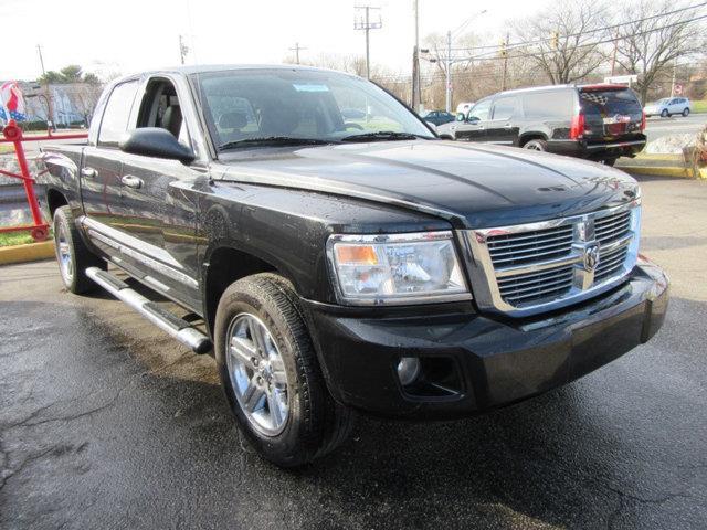 2008 DODGE DAKOTA LARAMIE 4DR CREW CAB 4WD SB black this 2008 dodge dakota laramie features a 47