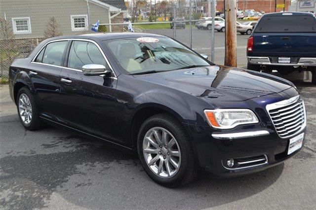 2011 CHRYSLER 300 LIMITED 4DR SEDAN blackberry pearl low miles this 2011 chrysler 300 limited