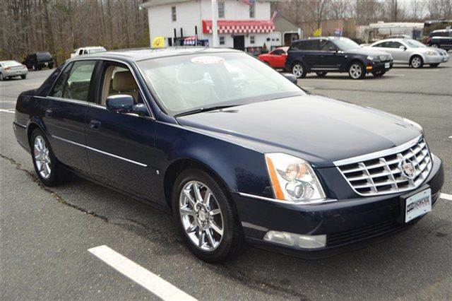 2007 CADILLAC DTS 4DR SEDAN V8 SEDAN blue chip low miles this 2007 cadillac dts luxury i will s