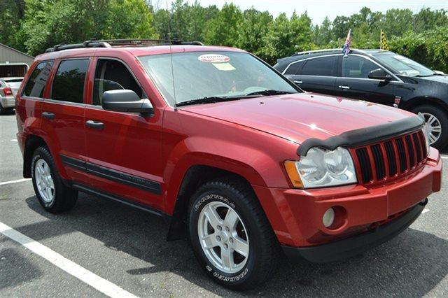 2005 JEEP GRAND CHEROKEE LAREDO 4DR 4WD SUV inferno red crystal pearl low miles this 2005 jeep