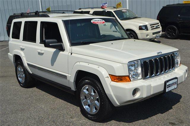 2008 JEEP COMMANDER LIMITED 4X4 4DR SUV stone white low miles this 2008 jeep commander limited