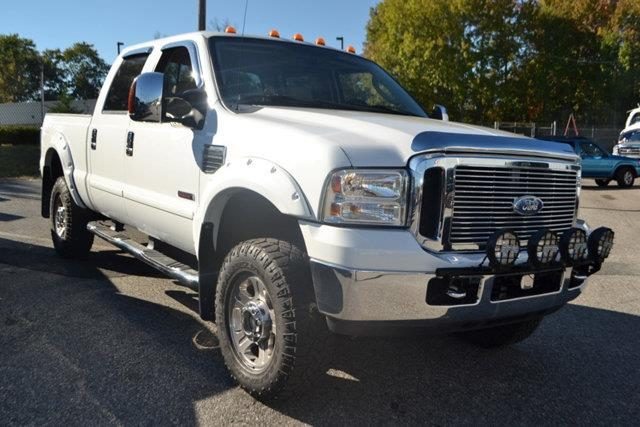 2007 FORD F-250 SUPER DUTY - white this 2007 ford super duty f-250 - features
