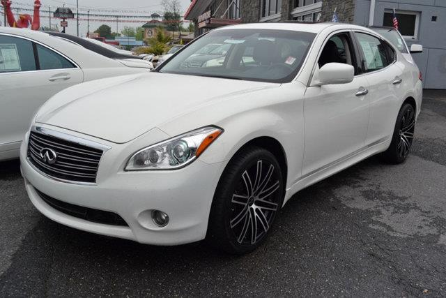 2012 INFINITI M37 X AWD 4DR SEDAN white this 2012 infiniti m37 4dr 4dr sedan awd features a 37l