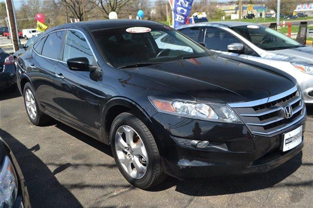 2011 HONDA ACCORD CROSSTOUR 4WD 5DR EX-L SEDAN crystal black pearl low miles this 2011 honda a