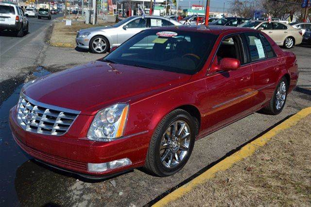 2006 CADILLAC DTS PERFORMANCE 4DR SEDAN red priced below market thisdts will sell fast this