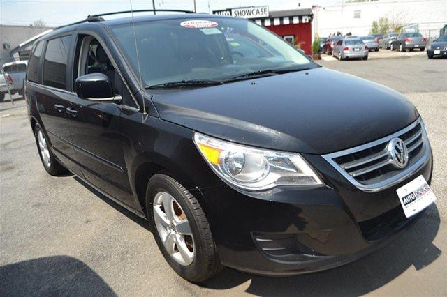 2009 VOLKSWAGEN ROUTAN - VAN nocturne black value priced below market keyless start this 200