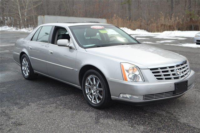 2008 CADILLAC DTS PERFORMANCE 4DR SEDAN silver value priced below market park distance control