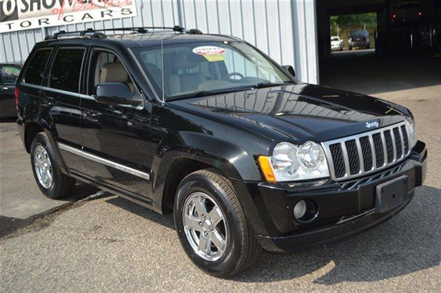 2007 JEEP GRAND CHEROKEE OVERLAND 4X4 4DR CROSSOVER black value priced below market bluetooth