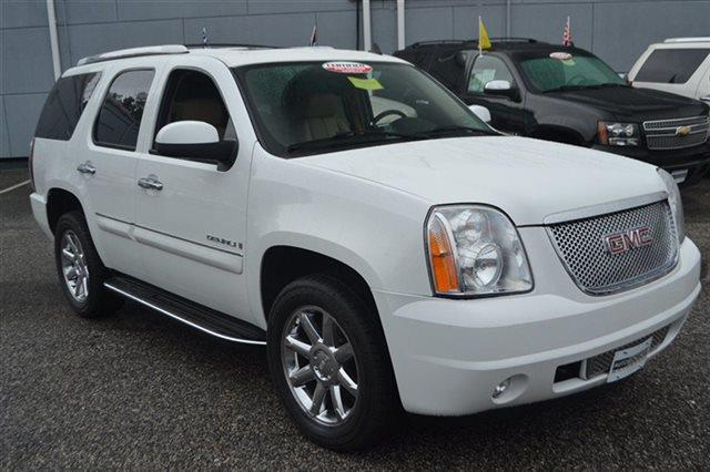 2008 GMC YUKON DENALI AWD 4DR SUV summit white new arrival this 2008 gmc yukon denali awd 4dr s