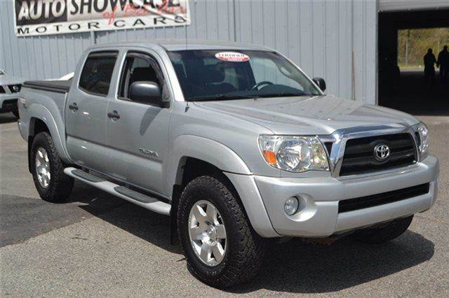 2005 TOYOTA TACOMA V6 4DR DOUBLE CAB 4WD SB silver streak mica 4wd priced below market this