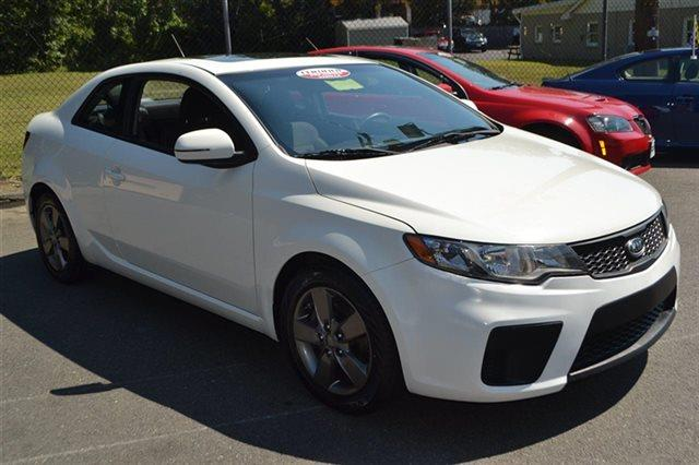 2011 KIA FORTE KOUP EX 2DR COUPE 6A clear white value priced below market bluetooth keyless