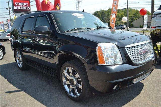 2007 GMC YUKON - onyx black new arrival 4wd this 2007 gmc yukon - 4x4 suv will sell fast ple