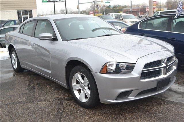2011 DODGE CHARGER silver low miles this 2011 dodge charger se will sell fast -auto climate co