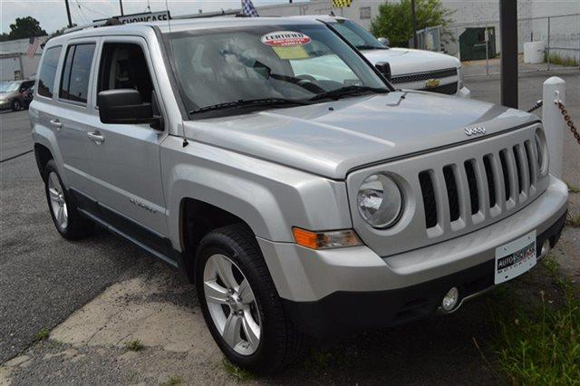 2011 JEEP PATRIOT 4WD 4DR LATITUDE X 4X4 SUV bright silver metallic low miles this 2011 jeep p