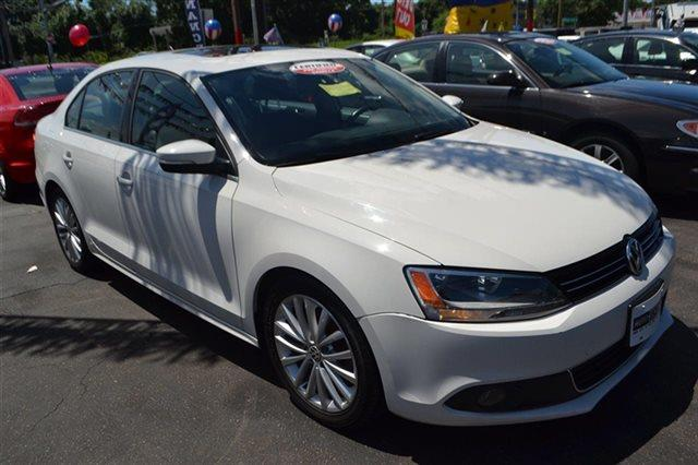 2011 VOLKSWAGEN JETTA SEL PZEV candy white new arrival this 2011 volkswagen jetta sedan sel with