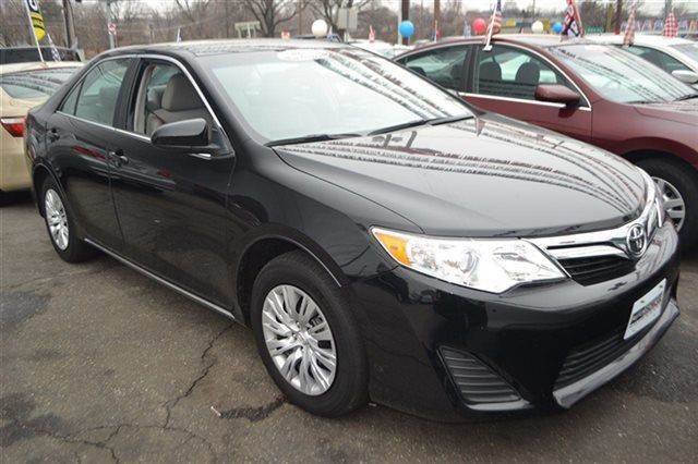2012 TOYOTA CAMRY 4DR SEDAN I4 AUTOMATIC LE SEDAN black low miles this 2012 toyota camry 4dr se