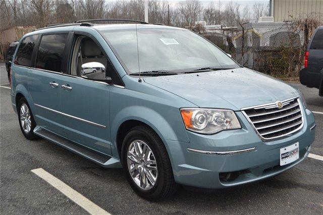 2010 CHRYSLER TOWN AND COUNTRY LIMITED 4DR MINI VAN W28Y clearwater blue pearl this 2010 chrysle
