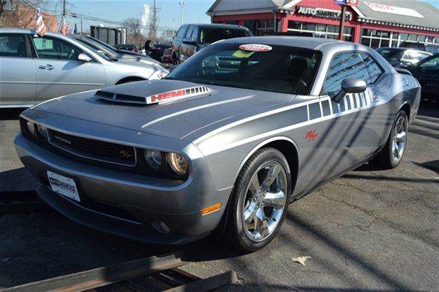 2013 DODGE CHALLENGER RT COUPE silver keyless start this 2013 dodge challenger rt has a shar