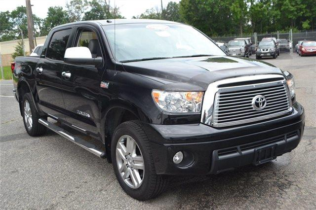 2010 TOYOTA TUNDRA LIMITED 4X4 4DR CREWMAX CAB PICK black priced below market thistundra 4wd tr