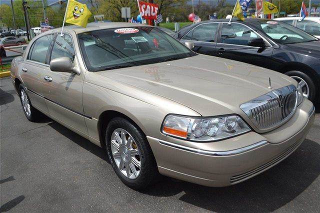2008 LINCOLN TOWN CAR SIGNATURE LIMITED 4DR SEDAN light french silk metallic heated seats prem