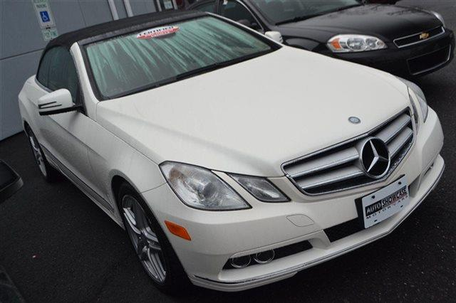 2011 MERCEDES-BENZ E-CLASS E350 2DR CONVERTIBLE white priced below market this 2011 mercedes-b