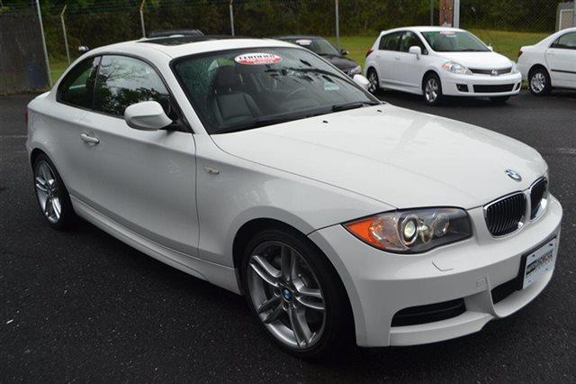 2011 BMW 1 SERIES 135I 2DR COUPE alpine white this 2011 bmw 1 series 2dr 135i features a 30l str