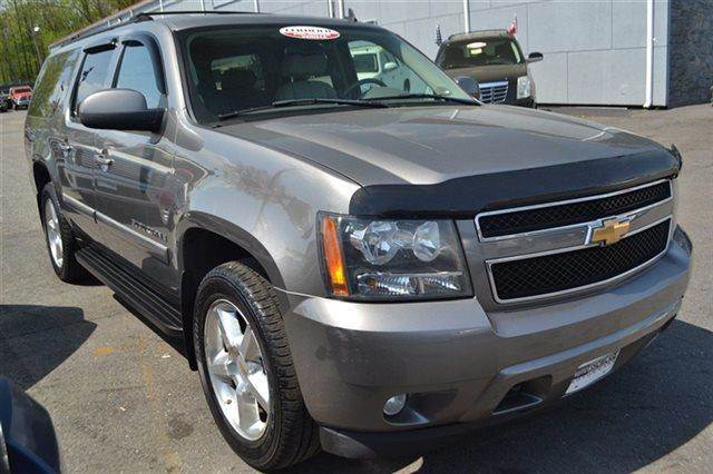 2007 CHEVROLET SUBURBAN 4WD 4DR 1500 LTZ 4X4 SUV silver birch metallic low miles this 2007 chev