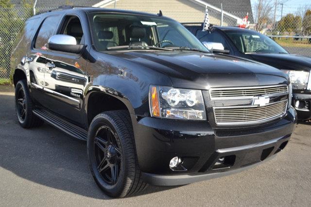 2009 CHEVROLET TAHOE LTZ 4X4 4DR SUV black this 2009 chevrolet tahoe 4dr 4wd 4dr 1500 ltz feature