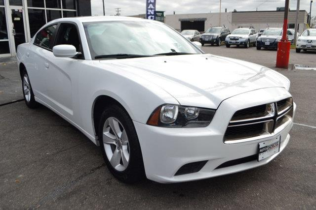 2014 DODGE CHARGER SE 4DR SEDAN white this 2014 dodge charger 4dr 4dr sedan se rwd features a 36